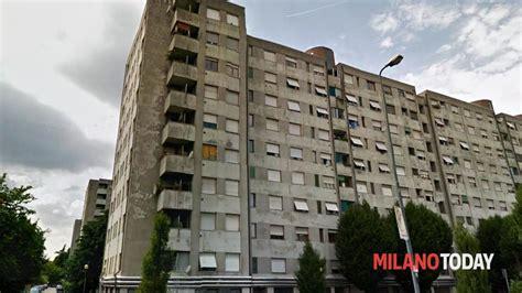 popolare di garbagnate milanese donna con figlio minore occupa casa popolare in via