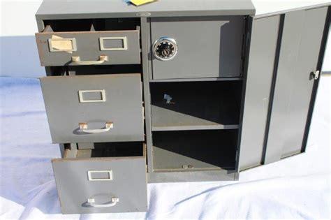Cole Steel Cabinet Safe : EBTH