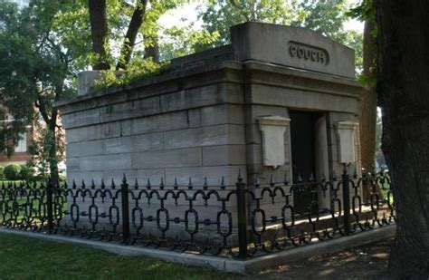 couch fencing chicago city cemetery couch mausoleum