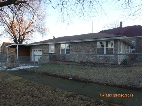 houses for sale in joliet 1318 n hickory st joliet illinois 60435 reo home details foreclosure homes free