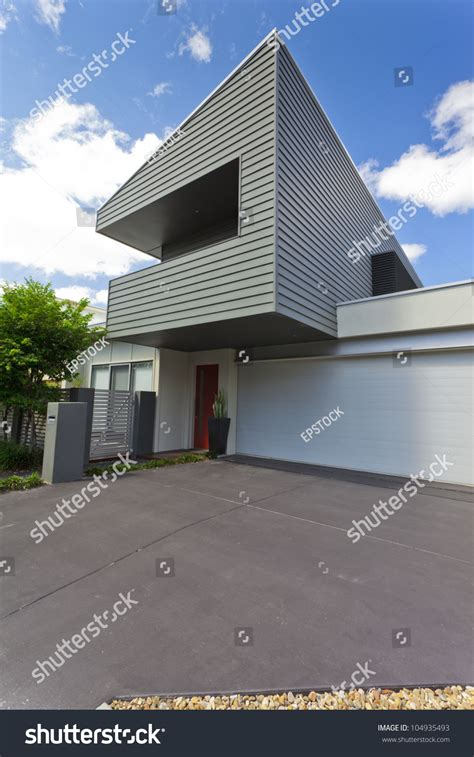 australian house music modern australian house front vertical stock photo 104935493 shutterstock