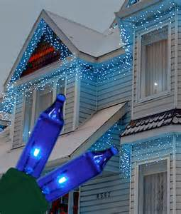 strobeing icicle lights at universal studios christmas decorations icicle lights blue 100 bulbs 6 5 the light emporium