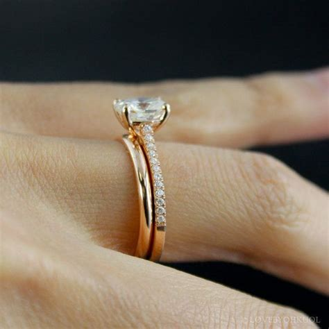 Verlobungsring Brillant by 1000 Ideas About Oval Solitaire Engagement Ring On