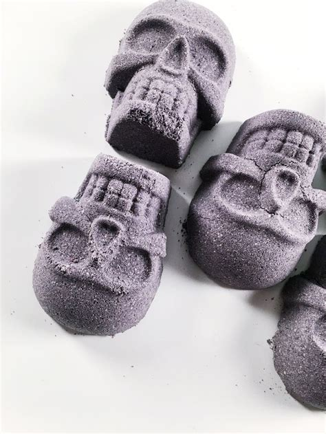 Charcoal For Mold Detox by Best 25 Bath Bomb Molds Ideas On
