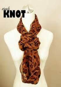 How To Wear A Scarf Infinity 17 Best Ideas About Infinity Scarf On