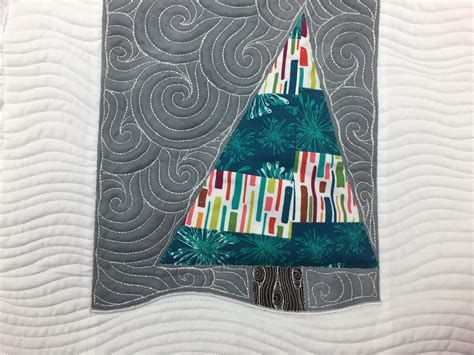 wonky christmas tree quilt pattern the free motion quilting project quilting crazy curves on