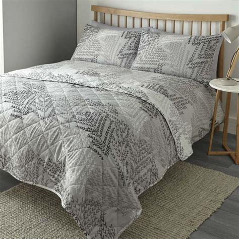 alena leaf print reversible quilted bedspread