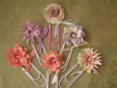 Paper Craft Ideas - you to see paper flower bookmarks on craftsy