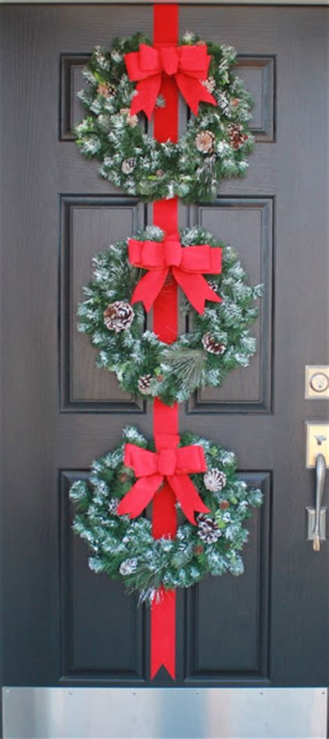 command strips christmas decorating frontdoor garland crafty three wreaths