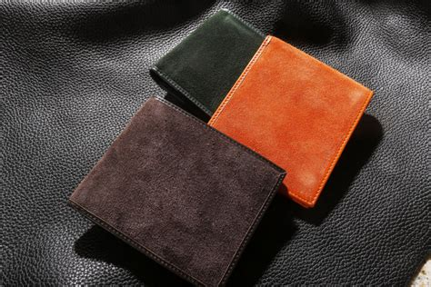 2 to find colors for your next leather wallet