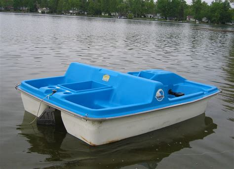 boat paddle pictures sun dolphin paddle boat bing images