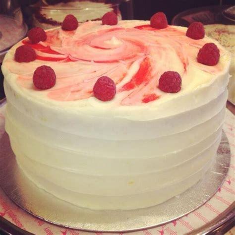 Wedding Cake Flavours by 10 Summer Wedding Cake Flavours Wedding Journal