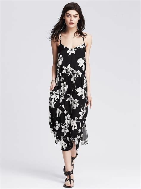 Dress Midi Banana banana republic floral midi dress in black lyst
