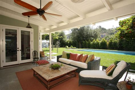 covered outdoor patio patio modern with outdoor furniture