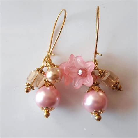 how to make lucite jewelry pink pearl cluster earrings lucite flower dangles beaded