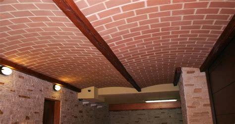 finte travi in legno per soffitti stanzette per bambini a ponte