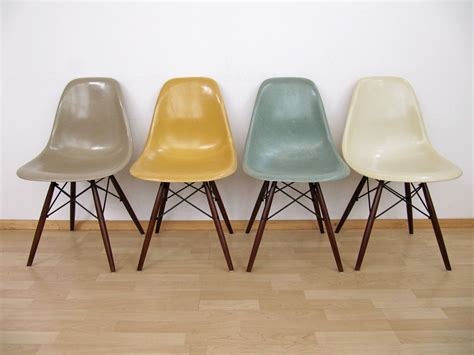 stuhl taupe eames chairs vitra taupe yellow blue dining room