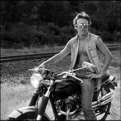 photogriffon les acteurs  leurs jouets mecaniques motos  bolides de