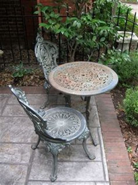 painting wrought iron and patio furniture on