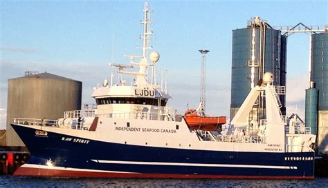commercial fishing boat captain independent seafood canada