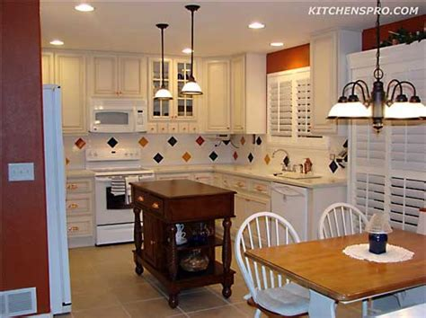 Vanilla Glazed Maple Kitchen Cabinets And Bathroom
