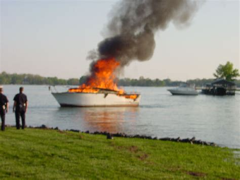 explosion on a boat how to refuel safely every time