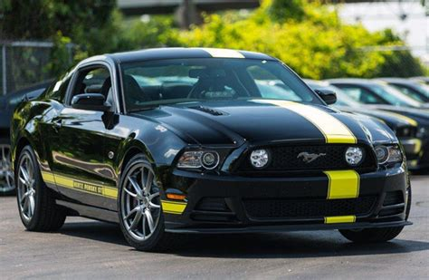 Mustang Car Rental A Modern Quot Rent A Racer Quot By Hertz And Penske Racing
