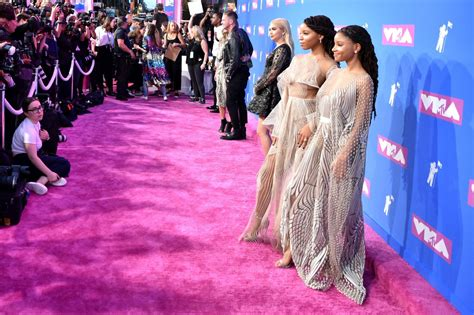 chloe bailey music chloe bailey and halle bailey 2018 mtv video music awards