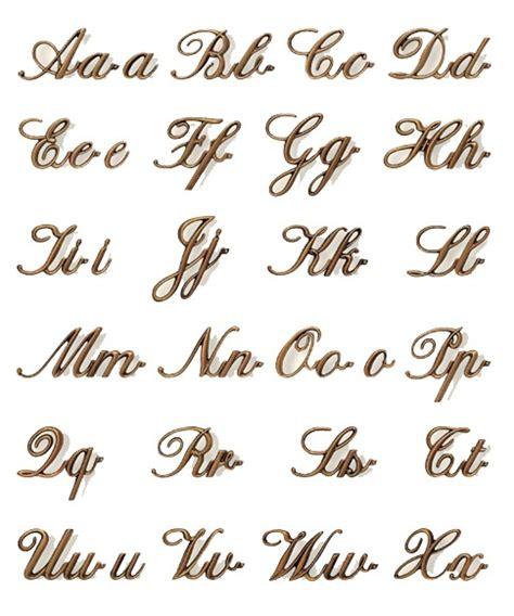 lettere in corsivo per lettere per nomi su lapidi cimitero