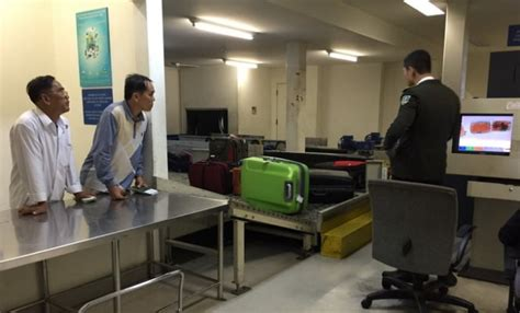 customs takes actions after reports on officers harassment at hcmc airport society thanh