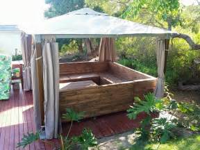 Wooden Pallet Gazebo by Upcycling A Pallet Couch 101 Pallets