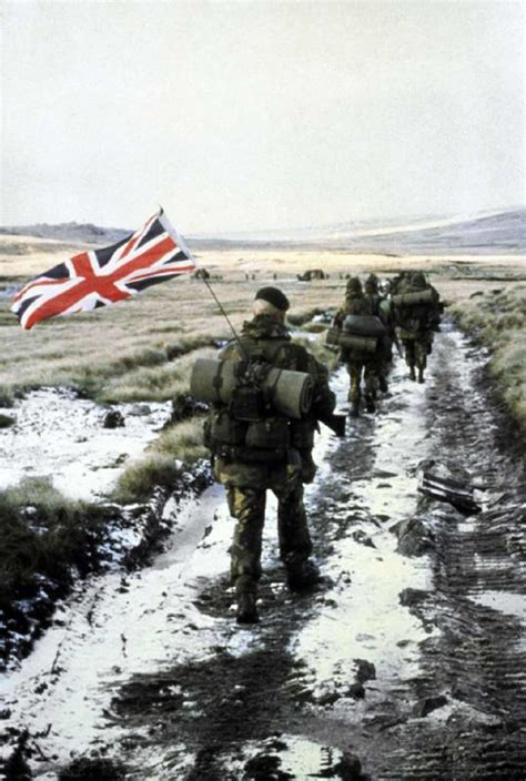falklands war l photos defense media network