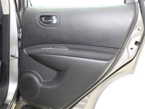 Radiator 2 Play Nissan Xtrailserena Automatic sell used used fwd 4 doors suv automatic cloth seats cd