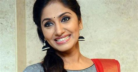 actress jhansi age anchor jhansi laxmi age husband height weight bio