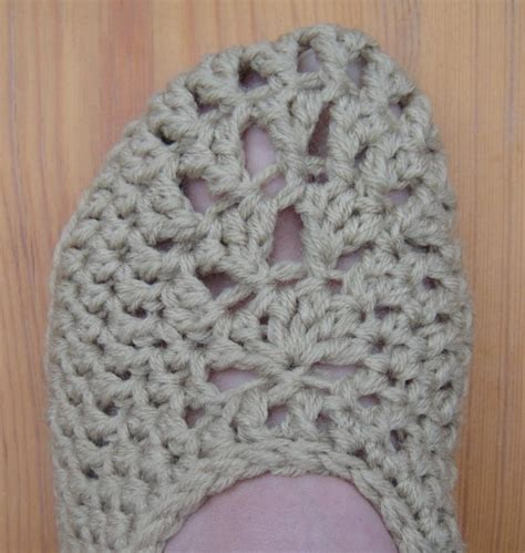 and easy crochet slippers simple crochet slippers allfreecrochet