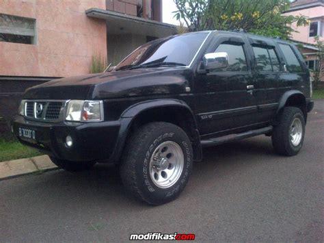 Karpet Nissan Terrano nissan terrano spirit s2 hitam 2005