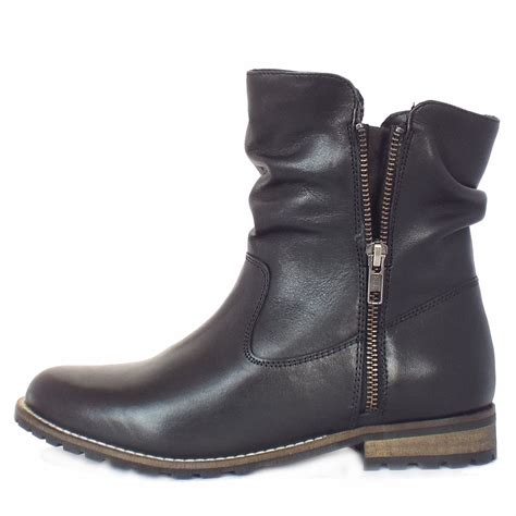 lotus lorie s slouchy boots in black leather