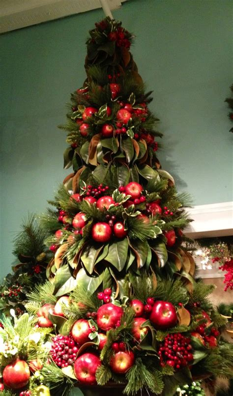 decorating christmas trees with berries 247 best images about fruit centerpieces on floral arrangements fruit arrangements