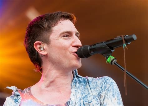 how to a to walk the lead walk the moon lead singer nicholas petricca www pixshark images galleries with