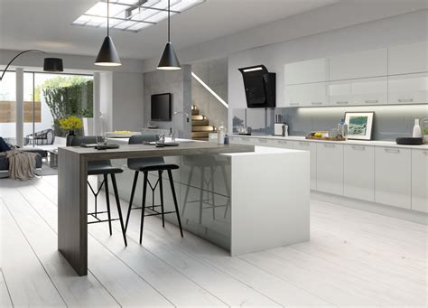 cuisine en u kitchens units with high gloss doors and free soft