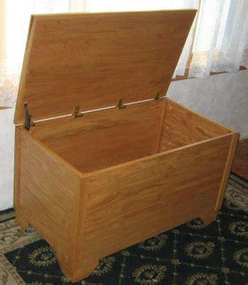 blanket hope chest plans   build  blanket chest