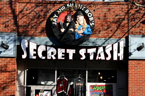 jay and silent bob secret stash 12 locales to add to your nerdy bucket list