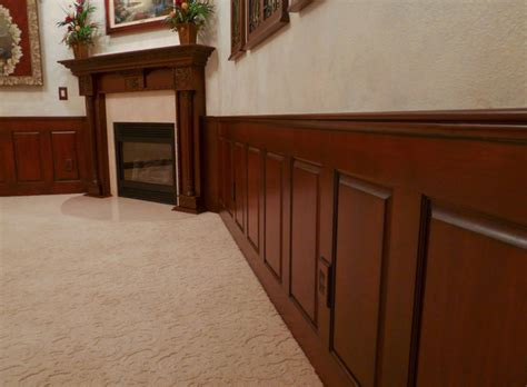 Raised Wood Panels Wainscoting Mahogany Raised Panel Wainscoting Dining Room