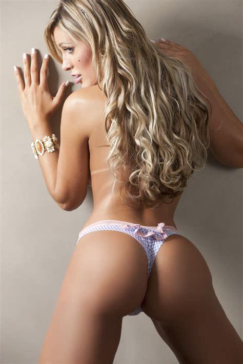 Ego De Topless Andressa Urach Posa Para Novo Ensaio Sensual Not Cias De Ensaio Fotogr Fico