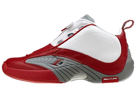the answer basketball shoes flashback allen iverson in the reebok answer iv white