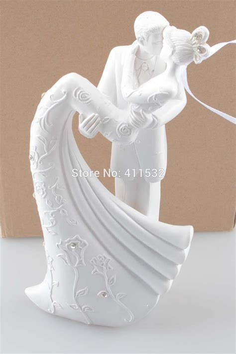 Wedding Cake Accessories by And Groom Resin White Wedding Cake Topper Cake Stand