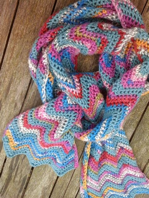easy zig zag crochet scarf pattern chevron scarves yarns and patterns on pinterest