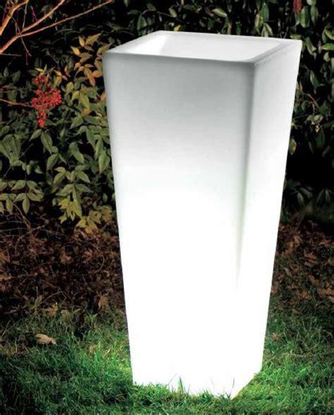 vasi da esterno illuminati desing vasi desing vasi da esterno vaso con luce vaso