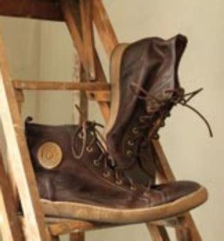 comment entretenir canapé cuir miss commet entretenir chaussures cuirs entretien