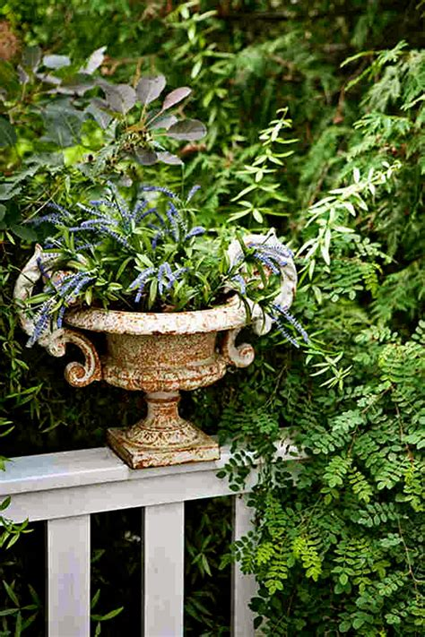 decorated cooking urn cottage of the week a cottage for two home bunch